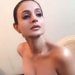 35. Амиша Патель